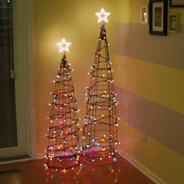 Christmas Trees Made From Tomato Cages: Tomato Cages Keep Peas, Cucumbers, Zucchini, Pepper
